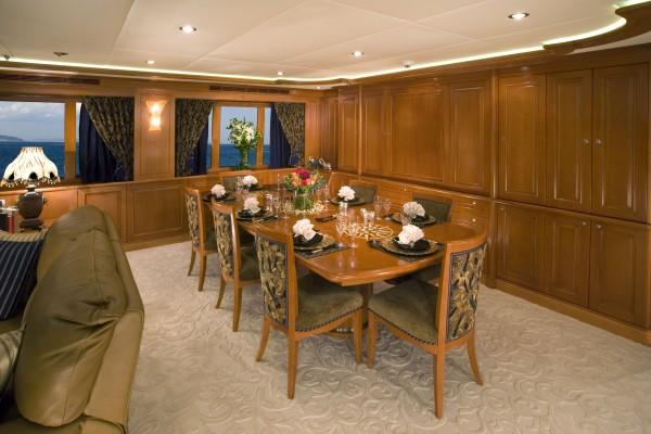 Kingship 110 Interior: China